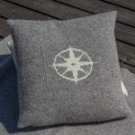 Kompass pute grå
